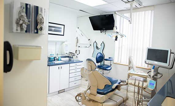 Operation Room at Elite Dental of Natick